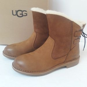 UGG Naiyah leather Boots Size 8.5